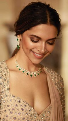 Deepika padukone Sexy cleavage mouth watering collection – Hot and Sexy Actress Pictures Bollywood Actress Hot, Beautiful Bollywood Actress, Most Beautiful Indian Actress, Indian Bollywood, Bollywood Fashion, Bollywood Makeup, Bollywood Bridal, Indian Celebrities, Bollywood Celebrities