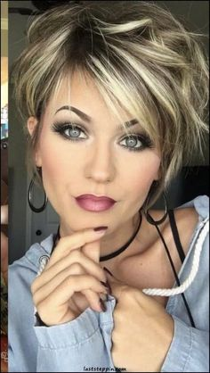 Trending Hairstyles 2019 - Short Layered Hairstyles - Hair and makeup - . - Trending Hairstyles 2019 - Short Layered Hairstyles - Hair and makeup - - Stylish Short Haircuts, Wavy Bob Haircuts, Haircut Short, Long Pixie Hairstyles, Images Of Short Haircuts, Shortish Hairstyles, Hairstyle Ideas, Hairstyles For Short Hair, Wavy Pixie Haircut
