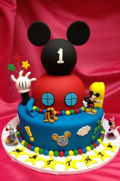 Bolo do Mickey Bolo Mickey Baby, Bolo Do Mickey Mouse, Fiesta Mickey Mouse, Mickey Mouse Clubhouse Birthday Party, Mickey Cakes, Minnie Mouse Cake, Mickey Mouse Parties, Mickey Party, Mickey Mouse House