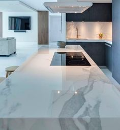 Choosing New Kitchen Countertops Kitchen Room Design, Luxury Kitchen Design, Luxury Kitchens, Home Decor Kitchen, Interior Design Kitchen, New Kitchen, Cool Kitchens, Kitchen Ideas, Kitchen White