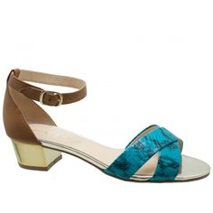 Sandália Tabita Couro Animal Print Python Turquesa. Traseira e tornozeleira em couro marrom, fivela ajustável dourada para facilitar o calce...