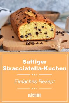Saftiger Stracciatella-Kuchen: Einfaches Rezept Cupcakes, Banana Bread, Food, Sweet Desserts, Simple Cakes, Birthday Cakes, Cupcake Cakes, Essen, Meals