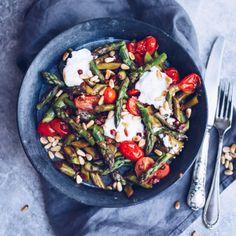 Rezept: Gebratener grüner Spargel mit Ziegenfrischkäse. So schmeckt der Frühling! - titatoni | Blog - DIY - Food - Lifestyle