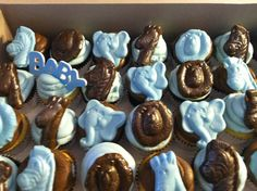 Safari cupcakes for a Baby Shower