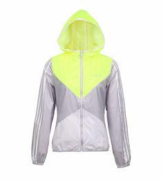 Rompevientos Adidas Mujer Envios A Todo El Pais - $ 800,00 en MercadoLibre Rain Wear, Sport Wear, Hooded Jacket, Athletic, Casual, How To Wear, Jackets, Fashion, Slip On