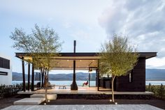 Image 1 of 22 from gallery of F+G Cajititlán Terrace & Jaime Copado + Francisco Sarabia. Photograph by César Béjar Prefab Homes, Glass House, Modern House Design, Modern Architecture, Houses Architecture, Pergola, Cottage, House Styles, Glass Walls