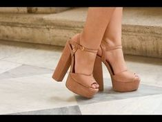 Pretty Shoes, Beautiful Shoes, Crazy Shoes, Me Too Shoes, Cute Heels, All About Shoes, Inspiration Mode, Fashion Shoes, Shoes Sandals