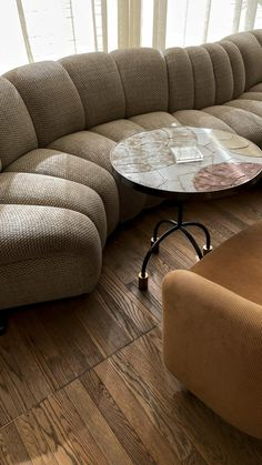 Color Inspiration, Interior Inspiration, Van Design, Natural Home Decor, Lounge Sofa, Luxury Interior Design, Living Rooms, Living Spaces, Modern Design