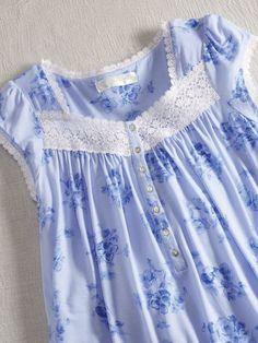 Kids Frocks, Frocks For Girls, Girls Dresses, Baby Girl Dress Patterns, Dress Sewing Patterns, Night Gown Dress, Nightgown Pattern, Long Dress Design, Night Dress For Women