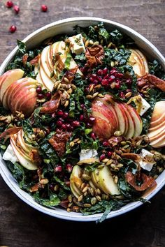 Fall Harvest Honeycrisp Apple and Kale Salad is part of Thanksgiving salad recipes All the best produce that fall has to offer combined into one big beautiful salad Shredded kale, sweet honeycrisp - Soup And Salad, Pasta Salad, Food Salad, Salad Chicken, Crab Salad, Pesto Pasta, Tuna Salad, Shrimp Pasta, Caesar Salad