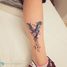 Rising Phoenix - Tattoo Thinks Phoenix Tattoo Feminine, Small Phoenix Tattoos, Phoenix Tattoo Design, Small Tattoos, Feminine Back Tattoos, Small Celtic Tattoos, Mini Tattoos, Body Art Tattoos, Pretty Tattoos