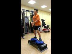 Esercizio di propriocezione in una seduta di preparazione atletica per il Tennis - YouTube