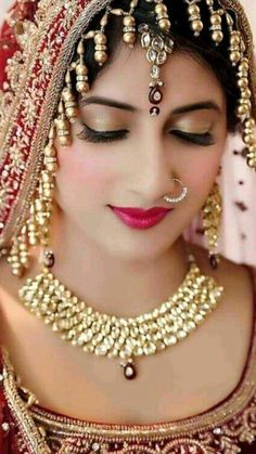 Indian Bridal Photos, Indian Bridal Makeup, Indian Bridal Outfits, Indian Bridal Fashion, Beautiful Indian Brides, Most Beautiful Indian Actress, Beautiful Saree, Beautiful Bride, Beauty Full Girl