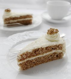 Walnut Cream Cake - light and moist walnut cake with vanilla filling.