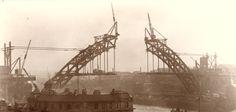Building of the Tyne Bridge