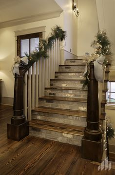Painted stairs can be a real feature in a hallway. While major design decisions are made in terms of floor, walls, wall art and lighting, stairs and steps are often forgotten. stairs # Painted staircases Source by moraimaalamo Tile Stairs, House Stairs, Hallway Flooring, Porch Stairs, Rustic Stairs, Outdoor Stairs, Rustic Wood, Painted Staircases, Painted Stairs