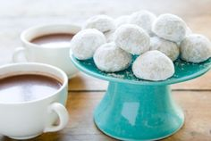 Mexican Tea Cookies // Who doesn't love Mexican Tea Cookies?? #recipe #cookie #holiday