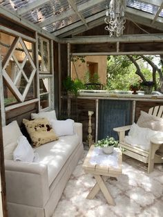 So, you've decided you want a she shed. What should you do with your she shed interior? How should you decorate? Fear not! I have compiled Shed Interior Design Ideas, Shed Design, Home Interior, Home Design, Garden Design, Small Summer House, Summer House Garden, Summer Sheds, She Shed Decorating Ideas