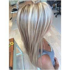 Are you looking for hair color blonde balayage and brown for fall winter and summer? See our collection full of hair color blonde balayage and brown and get inspired! Beauté Blonde, Blonde Color, Blonde Balayage, Blonde Hair Lowlights, Blonde Foils, Blonde Hair Shades, Hair Color Shades, Hair Color And Cut, Hair Highlights