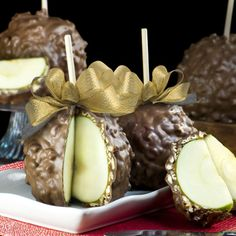 We love these enormous Granny Smith apples dipped in caramel, rolled with Georgia pecan pieces and then dipped in milk chocolate. Worth ever calorie.