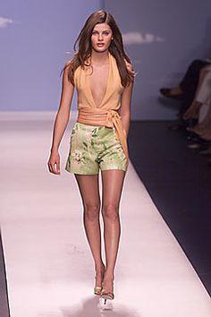 Oscar de la Renta Spring 2000 Ready-to-Wear Collection Photos - Vogue