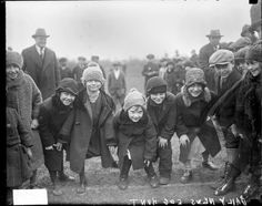 Children jockey for position at the start of the Chicago Daily News egg hunt, 1926. DN-0080704