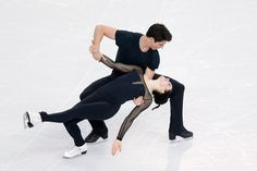 Russia, U. have vote-swapping deal to deny Virtue-Moir ice-dance gold, says L'Equipe - Way to honour that judges' oath taken at the Opening Ceremony. Just shameful. Actually disgraceful and disgusting. Virtue And Moir, Tessa Virtue Scott Moir, Ice Skating, Figure Skating, Love On Ice, Meryl Davis, Tessa And Scott, David Gray, Ice Dance
