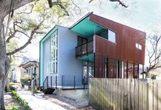 Colectivo architects designed, built, and owned a house called Dorgenois Residence. The house is located in New Orleans, United States and built on a feet square area. Amazing Architecture, Modern Architecture, Nova Orleans, Community Housing, Urban Fabric, Affordable Housing, Architect Design, Modern House Design, Modern Houses