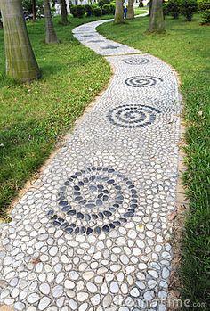 a curvy pebble pavement
