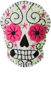 How cute is this? Sugar skull brooch. - no pattern, idea only