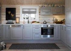 Kjøkken hytte KITCHEN: The cottage got here with a regular kitchen from Sigdal, which the household Cabin Homes, Log Homes, Kitchen Triangle, Log Home Kitchens, Sauna Design, Chalet Interior, Log Cabin Living, Best Kitchen Designs, Cabin Interiors