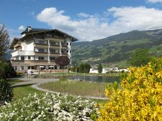 der Frühling ist da...  spring feelings...  www.held.at Mountain Hiking, Hotel Spa, Skiing, Relax, Mountains, Mansions, Feelings, House Styles, Water