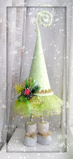 DIY Mint Xmas Tree Christmas Topiary, Cute Christmas Tree, Felt Christmas Ornaments, Holiday Tree, Pink Christmas, Xmas Tree, Winter Christmas, Holiday Crafts, Christmas Holidays