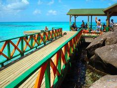 El Parque Natural Old Providence McBean Lagoon Encuentra #vuelos a San Andrés en http://escapar.com.co/pasajes-a-san_andres_isla-ADZ