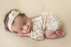 Girl Sleep Baby New Born Photography  #IvetteCastilloFotografia #RememberMe https://www.facebook.com/photo.REMEMBERME/ http://ivettecastillofotografia.com.mx/ Fotografía.recien nacidos. embarazos. partos. guadalajara