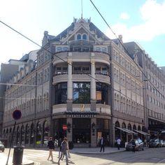 Klingenberggaten/Stortingsgaten #theatercafeen #hotelcontinental #hotel #stortingsgaten #klingenberggaten #gatelangs #eiendom #realestate #arkitektur #architecture #oslo #norway