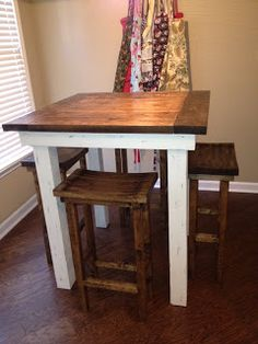 DIY Kitchen table and pub chairs. I love the pub chairs. Not a huge fan of the table though. Small Kitchen Tables, Diy Kitchen, Small Kitchens, Small Pub Table, Small Bar Stools, Small Tables, Country Kitchen, Kitchen Storage, Kitchen Ideas