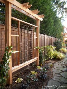 Garden trellis, narrow garden. its-a-green-life.