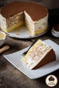 Tiramisu cake with Café Royal [Werbung] - Man bakes- Torte mit Café Royal [Werbung] – Mann backt Tiramisu cake with Café Royal [advertising] Baking Recipes, Cake Recipes, Snack Recipes, Dessert Recipes, Baking Tips, Tiramisu Cake, Sweet Cakes, Homemade Cakes, Ice Cream Recipes