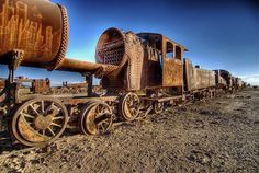Top 12 des photos du cimetière de trains d'Uyuni, la gare post-apocalyptique | Topito