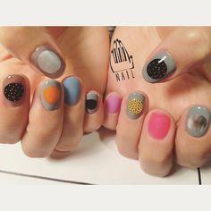 ⚪️⚪︎⚫︎○ #nail#art#nailart#ネイル#ネイルアート#round#random#metallic#colorful#ショートネイル#nailsalon#ネイルサロン#表参道