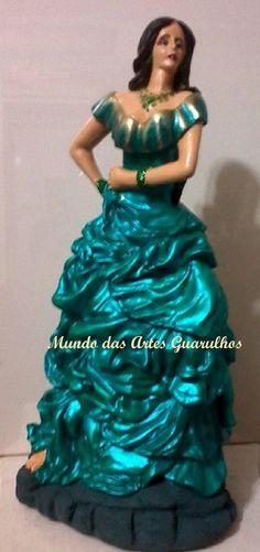 Cigana Esmeralda com vestido verde em gesso