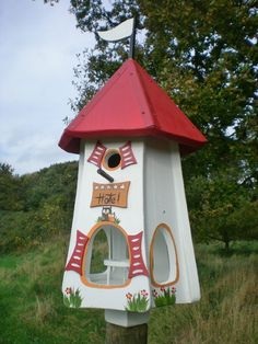 Original Die Vogelvilla, Turmhotel 5 Sterne Eulen, Vogelhaus & Nistkasten, 2in1, weiß