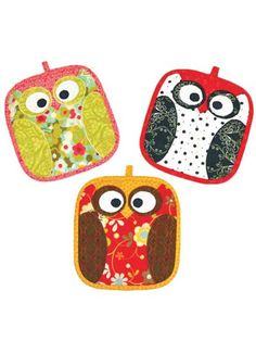 owl potholders.  I wonder if I could make these?