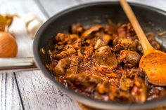 Hungarian Cuisine, Hungarian Recipes, Food Dishes, Main Dishes, Dishes Recipes, Liver Recipes, Paella, Bacon, Curry