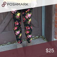 Black Floral Print Leggings Soft brushed floral knit leggings, 92% polyester 8% spandex. Amazing print! One size first most. Infinity Raine Pants Leggings