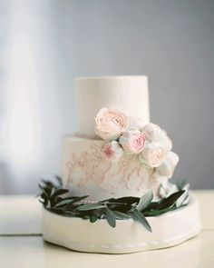 This bridal boudoir photo shoot, inspired by vintage botanical prints, is full of delicate florals, stunning veils and modern, chic lingerie. Whimsical Wedding Cakes, Small Wedding Cakes, Wedding Cakes With Flowers, Candybar Wedding, Bridal Boudoir Photos, Wedding Dress Cake, Bouquet Wedding, Wedding Nails, Wedding Cake Inspiration