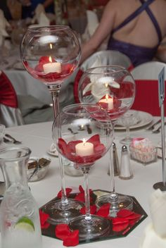 Creative DIY Wedding Centerpieces on a Budget - Floating Candles Sweet 16 Centerpieces, Sweet 16 Decorations, Valentines Day Decorations, Table Centerpieces, Wedding Centerpieces, Wedding Decorations, Christmas Decorations, Table Decorations, Red Wedding