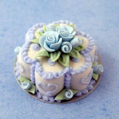 Miniature Blue Flower Cake w/Blue Roses | Stewart Dollhouse Creations
