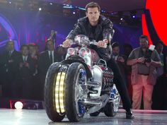 Dodge Tomahawk (560 km/hr) Fastest Motorcycle In The World. Dodge Tomahawk is a 10 cylinder v-type 90 degree motorcycle as it is currently the No.1 and one of the Fastest Motorcycles on the Earth picking over 560km/hr.